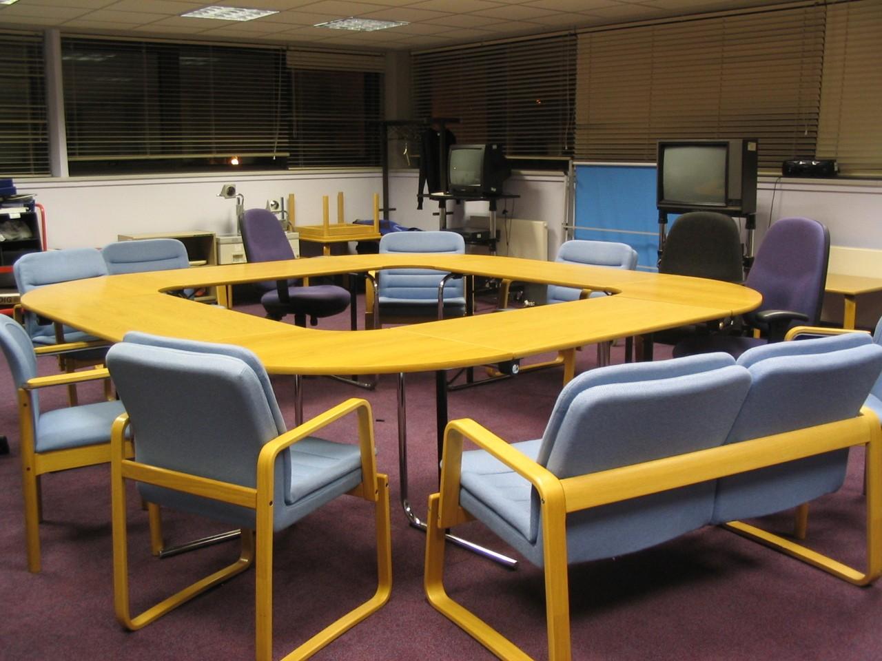 Dobranie idealnego stołu – istotne wymagania
